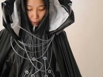 Raincatch – Chiếc áo mưa có chức năng tự động lọc nước